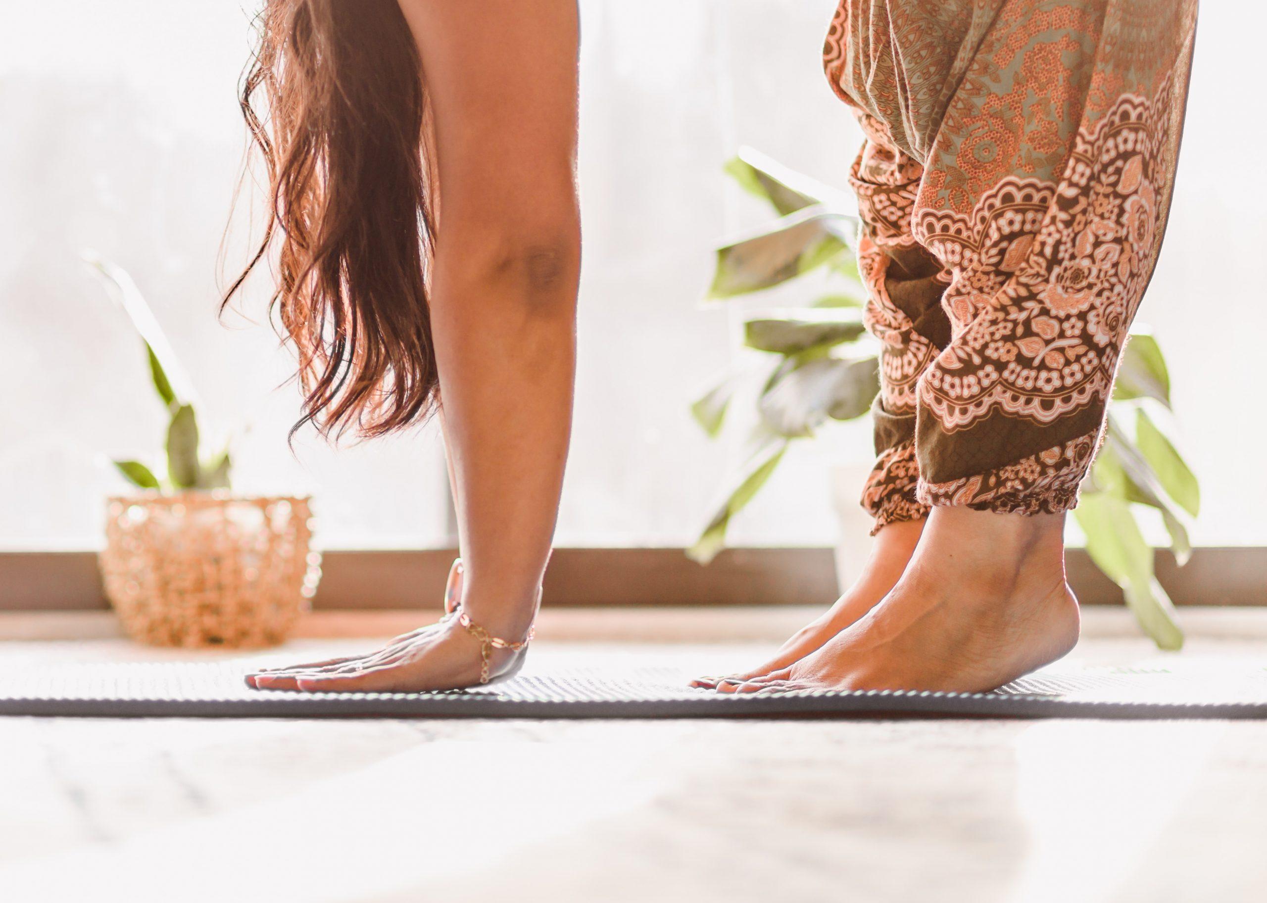 femme yoga pour l'article pourquoi j'aime me lever tôt